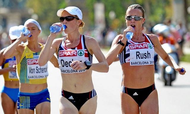спортсменки пьют воду_640