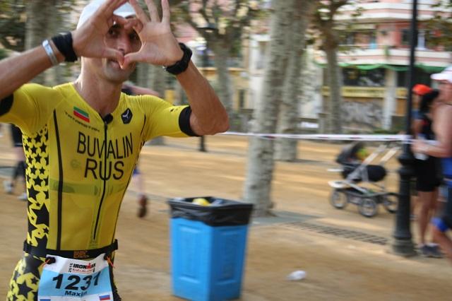 Беговой этап. 16-й километр. Ironman Barcelona 2016. Максим Бувалин