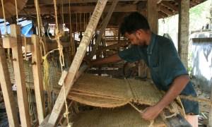 weaving-285220_1920