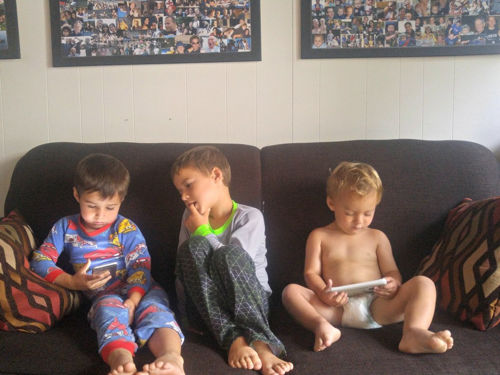 backpain-3-boys-screen-time