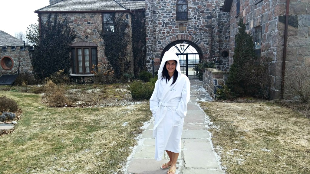 ste anne's spa me in robe