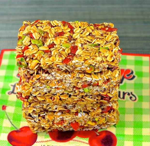 goji berries granola bars