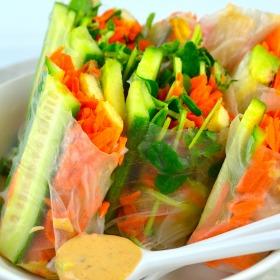 Vegan Summer Rolls #Summer #rolls #tofu #vegetables #ricewrapper #glutenFree #vegan