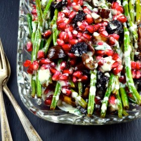 green beans with chestnuts and pomegranates #vegetables #healthy #greenBeans #pomegranates #chestnuts #Side #vegetarian #vegan #tahini #Thanksgiving #holidays #glutenFree