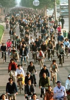 ピクシー北京を走る。アベショと増川を探せ。