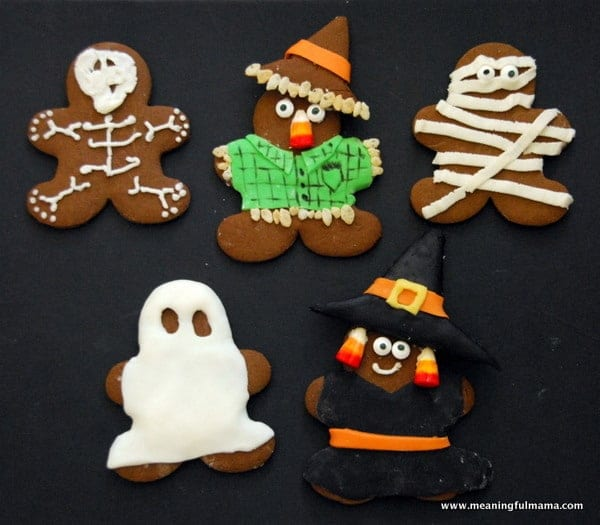1-halloween-gingerbread-cookies-witch-scarecrow-ghost-mummy-skeleton