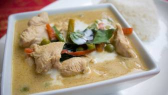 The green curry at Royal Thai is fantastic. (Photo courtesy of Xaq Ai)