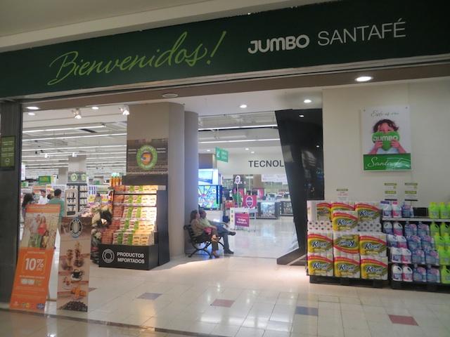 Jumbo supermarket in Santafé