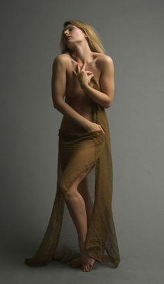 nude posture anatomy