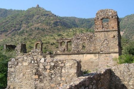 pin by lucky trips on top 10 haunted places in india you