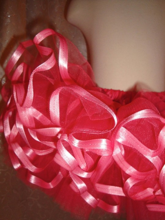 how to add ribbon to a tutu