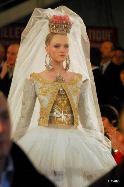 Showy Christian Lacroix Wedding Dresses Christian Lacroix Wedding Dresses Wedding Dress Buy Online Usa La Croix Pronunciation Video La Croix De Beaucaillou Pronunciation