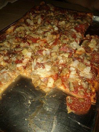 Paleo Bacon-Mushroom Pizzeria Pizza