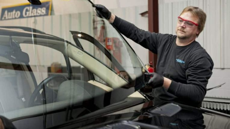 How Much Does It Cost to Replace a Windshield    Angie s List How Much Does It Cost to Replace a Windshield