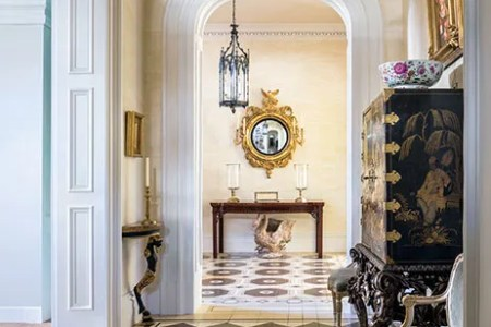 dam images decor 2014 10 mario buatta patricia altschul charleston home 07 entrance hall