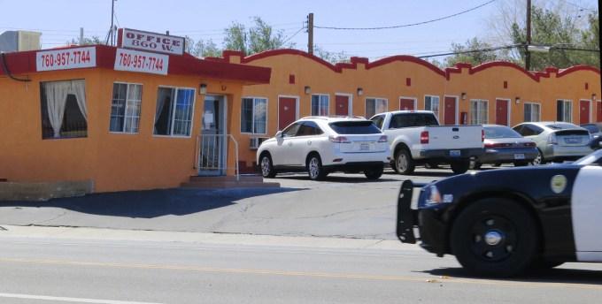 motel e