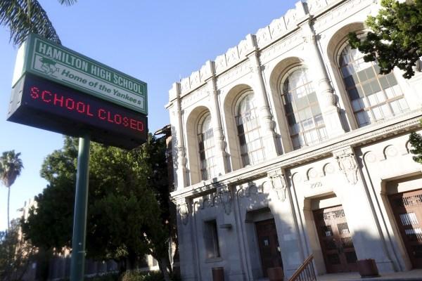 A sign at Hamilton High School in LA, Dec. 15, 2015. REUTERS/Jonathan Alcorn