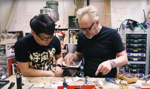 Adam Savage one-day build: making an Iron Giant screw