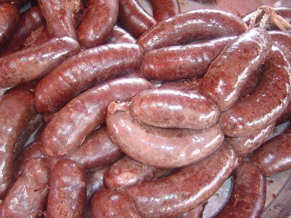 1200px-Reunion_sausages_dsc07796