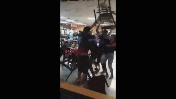 Dispute over salsa and chips erupts into chair throwing brawl at Texas restaurant