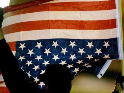 http://i1.wp.com/media.breitbart.com/media/2015/03/american-flag-upside-down-AP-640x480.jpg?resize=400%2C300