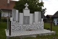 Monument închinat eroilor neamului