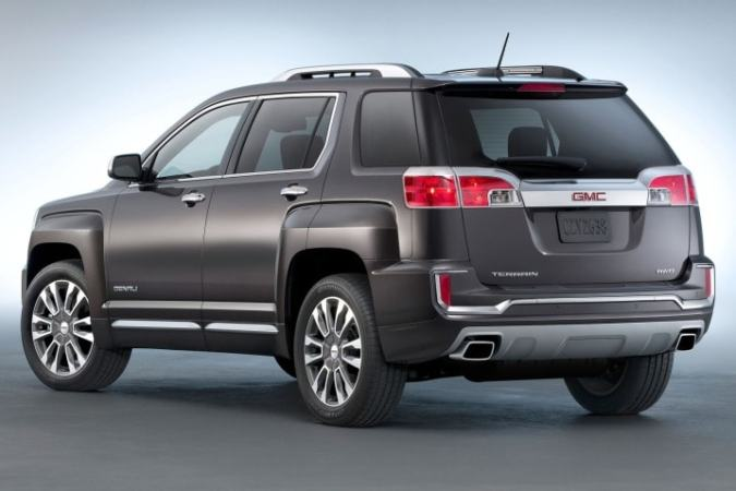 2017 GMC Terrain Review   Ratings   Edmunds The Denali version of the 2017 Terrain receives special styling details   The model s overall look is getting pretty familiar  though