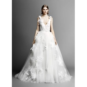 Picture Spring 2019 Makes It Bows Flowers Go Quite Well Bridal Fashion Week Wedding Dresses Gown Glamour Wedding Dresses Petite Figures Wedding Dresses Images