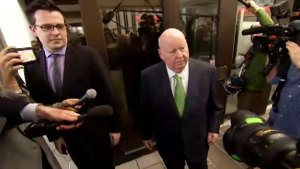 Mike Duffy leaves courtroom after judge dismisses him of all charges