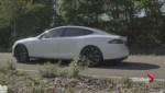 Fancy door handles of Tesla S locks Consumer Reports out