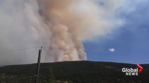 Residents in Clinton, B.C. evacuated due to 'angry' wildfire