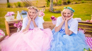 Brazilian twins celebrate 100th birthday with photo shoot