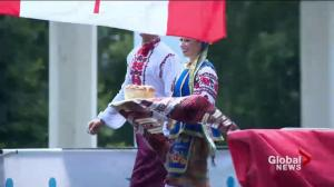 27 new Canadians sworn in at Ukrainian Day in the Park