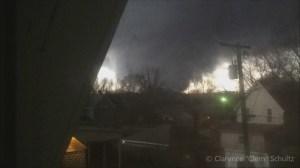 Illinois man records terrifying moments as tornado strikes home