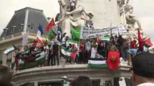 Pro-Palestinian demonstrations in Paris and London