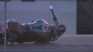 Motorcyclist dead after losing control on  Highway 404 in Aurora