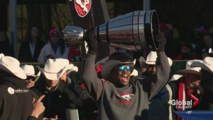 Grey Cup celebration draws thousands to Calgary city hall