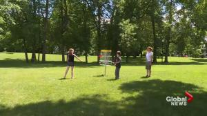 Dorval residents try disc golf
