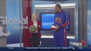 Zeus from the Harlem Globetrotters