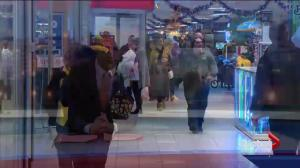 Saskatoon shoppers rush before Christmas deadline