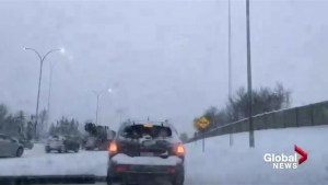 Calgary motorists deal with wintery commute