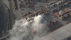 Raw: Chopper viz of Port of Vancouver fire