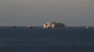 Timelapse of Concordia arriving in port, final presser with salvage master