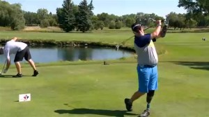 Amputee golfer breaking down barriers in Lethbridge