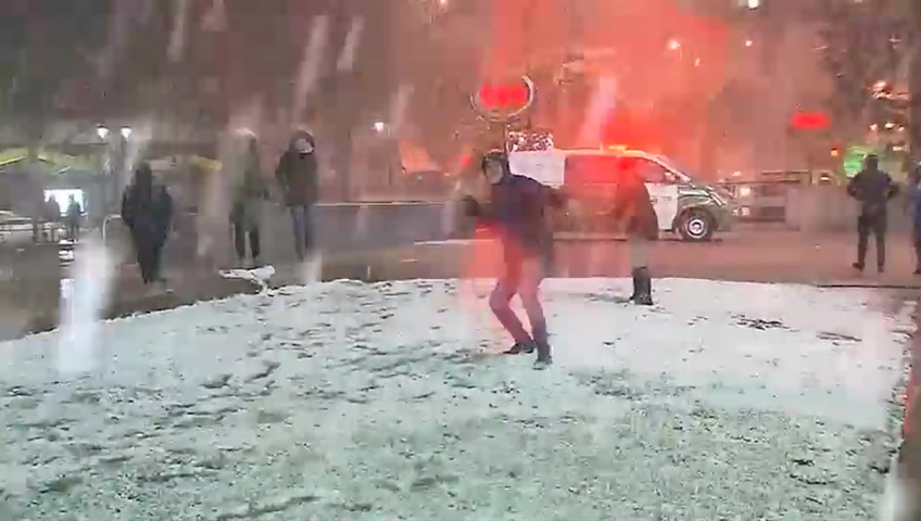 Unusual snowfall causes blackouts in Santiago, Chile