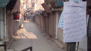 Peshawar shuts down to honour victims of Taliban attack