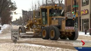 All hands on deck for Saskatoon road crews after first big snowstorm