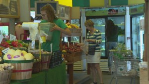 Superstore launches e-grocery pickup service in Winnipeg