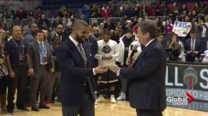 Toronto Mayor John Tory hands Key to the City to Drake
