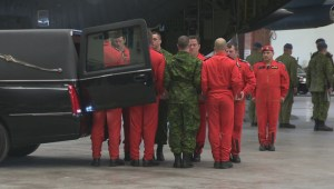Ramp ceremony for Master-Corporal who died during training accident
